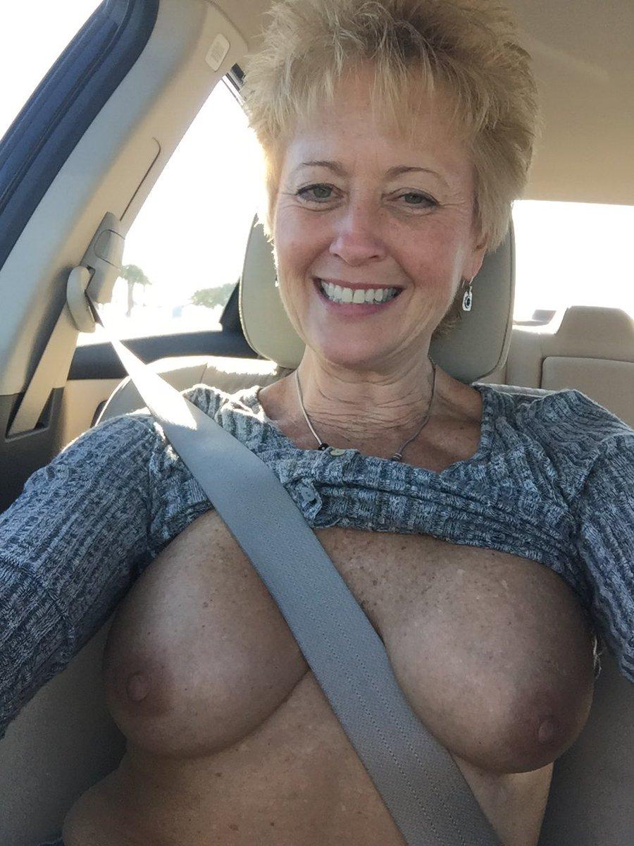 Free nude goth pics