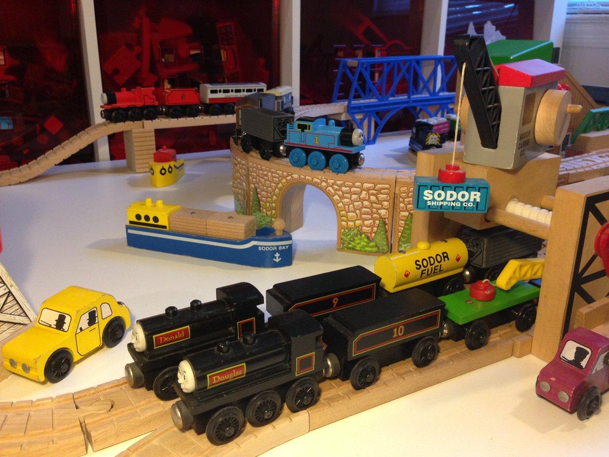 Thomas Merchandise On Twitter Wooden Railway 1993 Yellow Lining