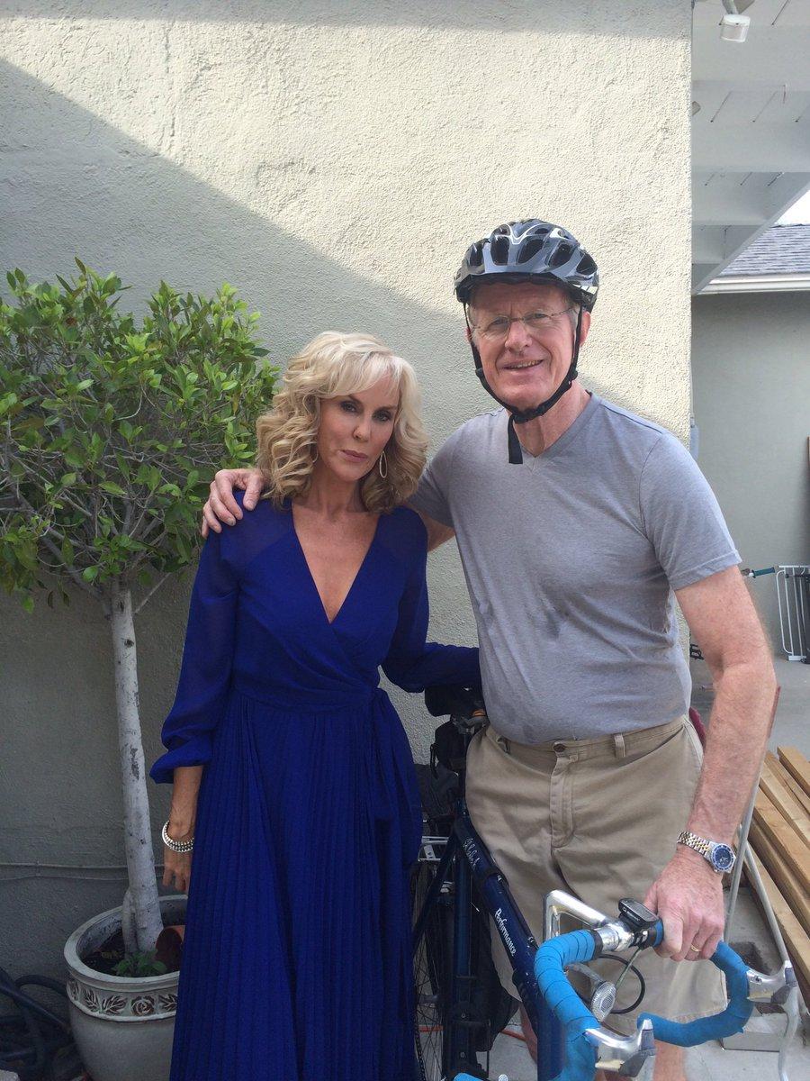 Biking to the @Oscars_Live https://t.co/CznKiXmG5C