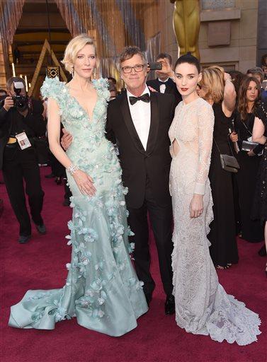 Portland's own Todd Haynes, flanked by his @CarolMovie stars, Cate Blanchett & Rooney Mara. #Oscars (AP) https://t.co/tJr5Q0Whul