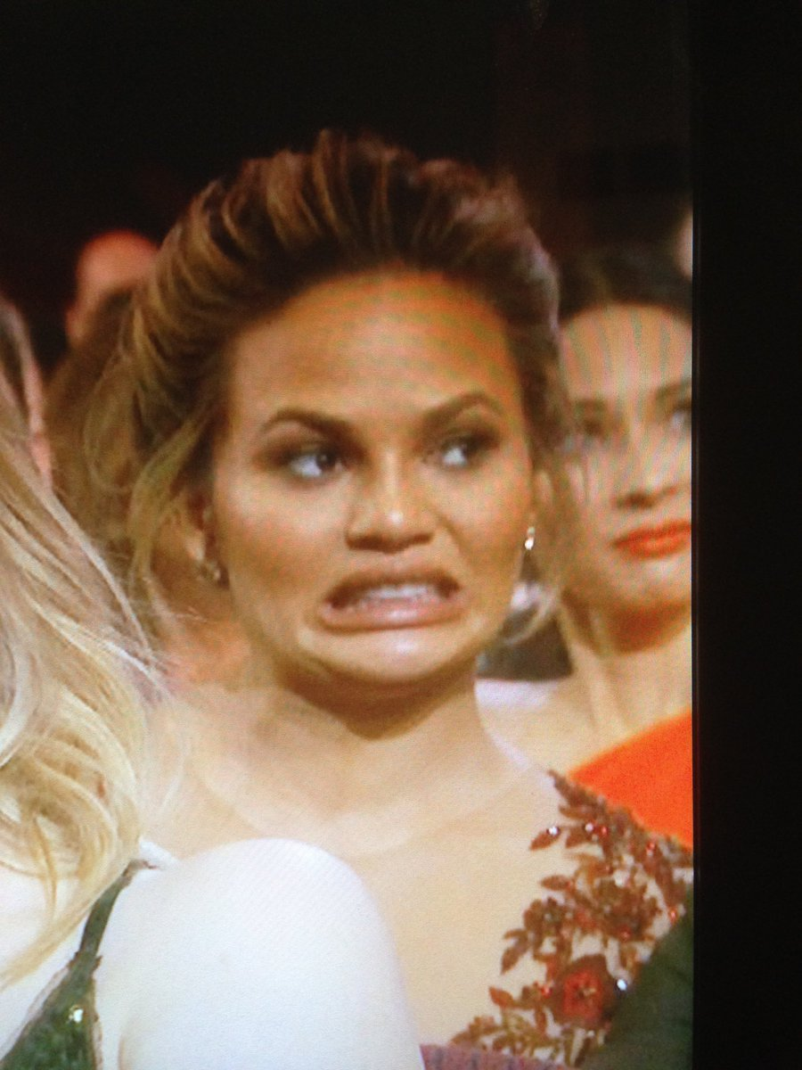 Chrissy Teigen is the best at award shows. #Oscars @chrissyteigen https://t.co/h6wYle8PL2