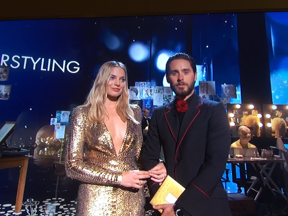 The Joker and Harley Quinn in the house! And he's got jokes! #Oscars https://t.co/b3U8nt9CHv
