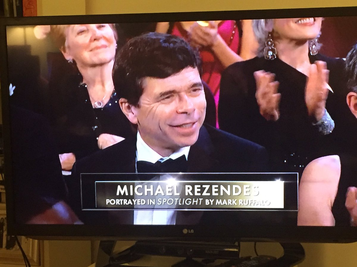 Yay for real journalists! @SpotlightMovie @MikeRezendes @BostonGlobe @PulitzerPrize #Oscars2016 https://t.co/CVjSUxVlLX