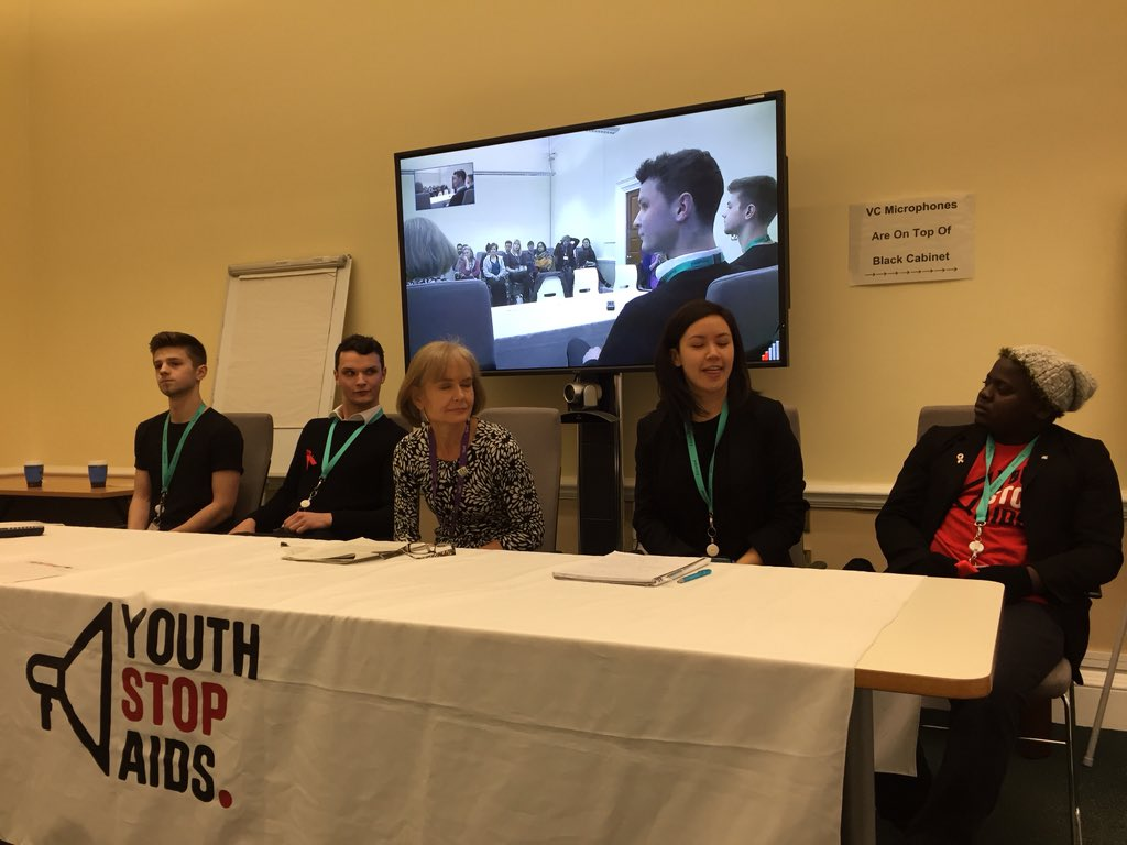 The fantastic @Youth_StopAIDS #SpeakerTour16 in @DFID_UK - talking about our need to tackle #MissingMedicines https://t.co/Iw80jKNvfJ