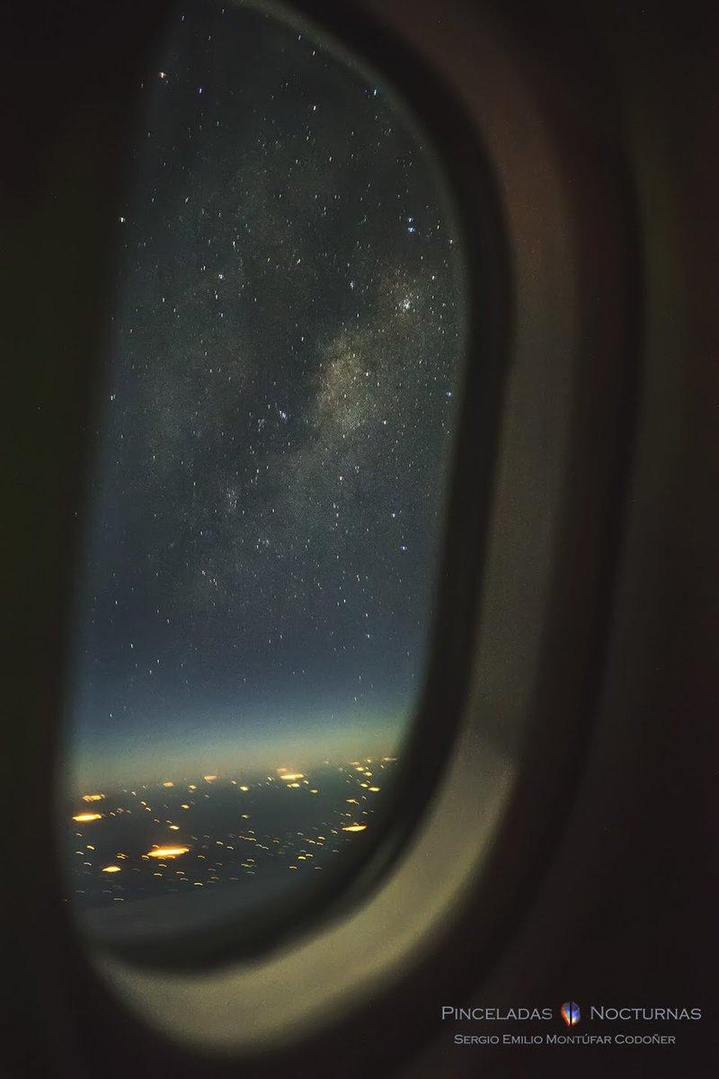 Earthsky On Twitter Milky Way From An Airplane Window By Sergio