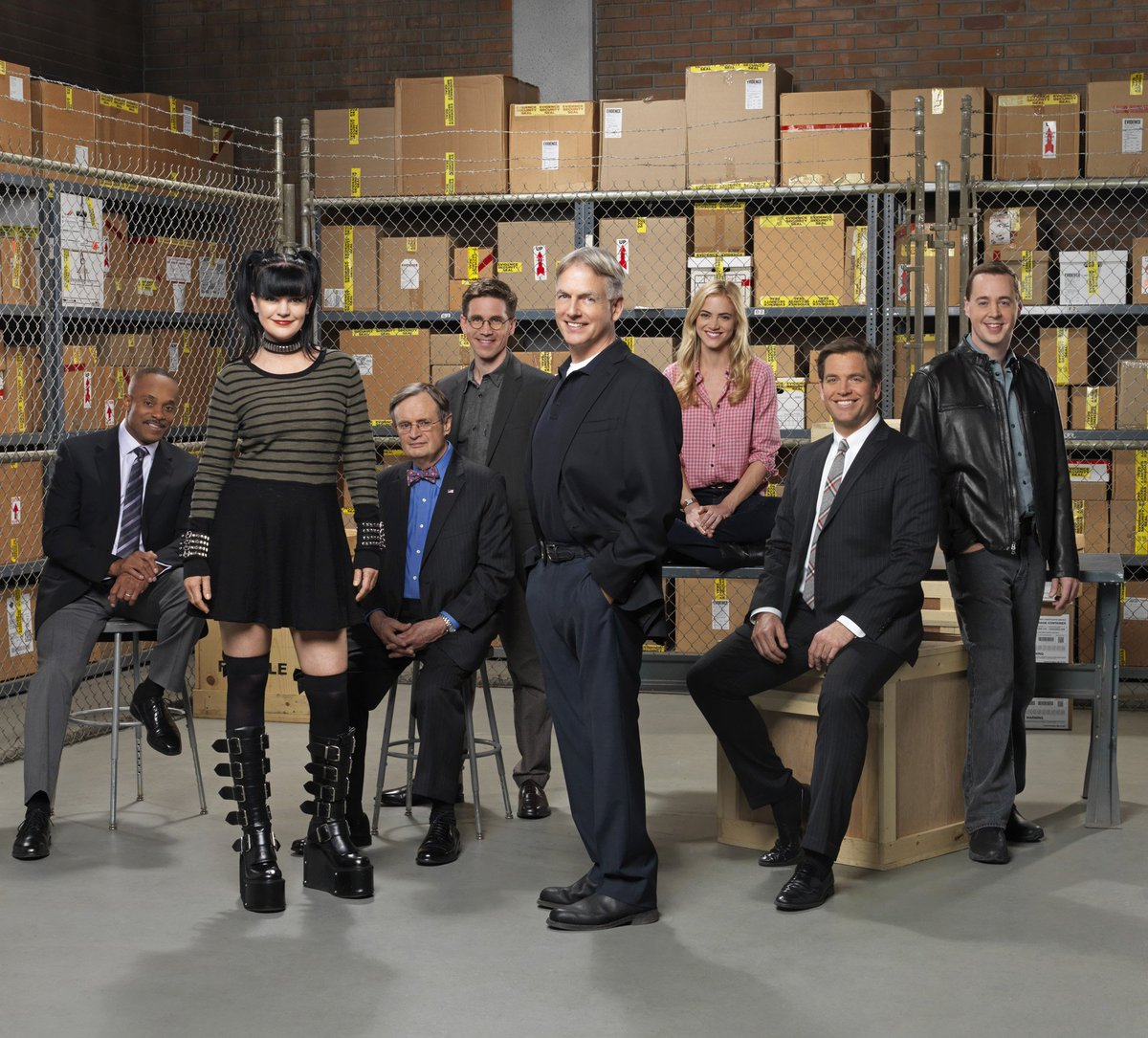 BREAKING NEWS - #NCIS has been renewed for 2 more seasons on @CBS! https://t.co/zURSg1r1Sl