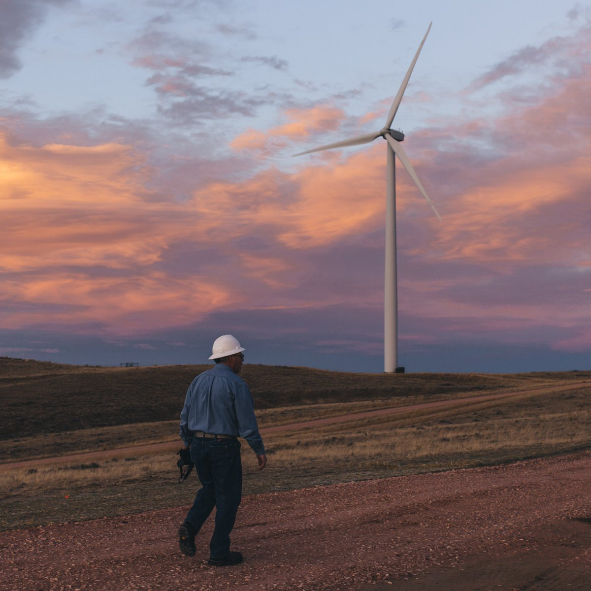 New data show the U.S. is number one in the world in wind energy production: https://t.co/dbN388VLFv  #windworks https://t.co/JCXvBrHhxx