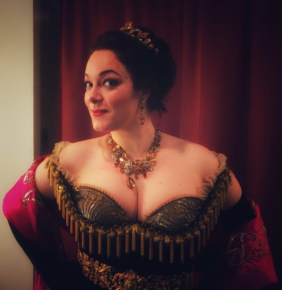 Il soprano Eleonora Buratto, Ambassador Martino Midali, debutta alla Metropolitan Opera House di New York