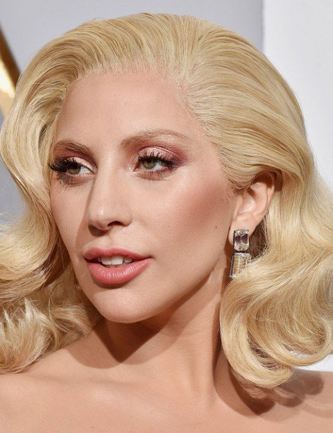 Green Trends On Twitter Lady Gaga Daazled With Her Rose Gold Eyes With Light Nude Lips At Oscars Oscars2016 Monsters Makeup Mua Style Https T Co Cbx5bbblbv