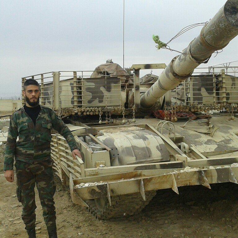 الوحش الفولاذي لدى قوات الجيش السوري .......الدبابه T-72  - صفحة 2 CceUfirW8AA_OBo