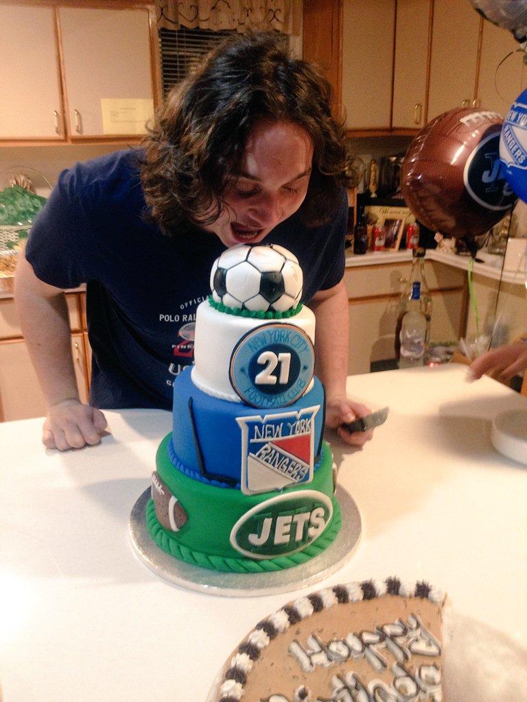 Peachy Joanna Puchalski On Twitter 21St Birthday Cake For Funny Birthday Cards Online Amentibdeldamsfinfo