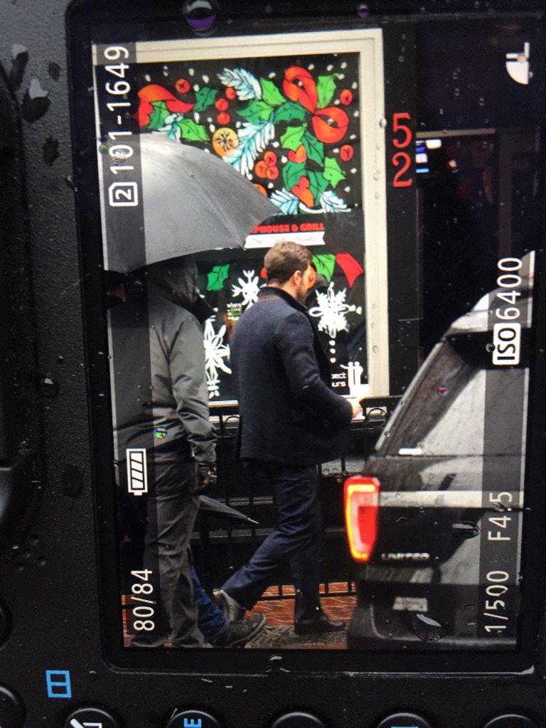 #FSOGDailyUpdate Jamie Dornan has arrived on set #FiftyShadesDarker https://t.co/9I7hwoljsW