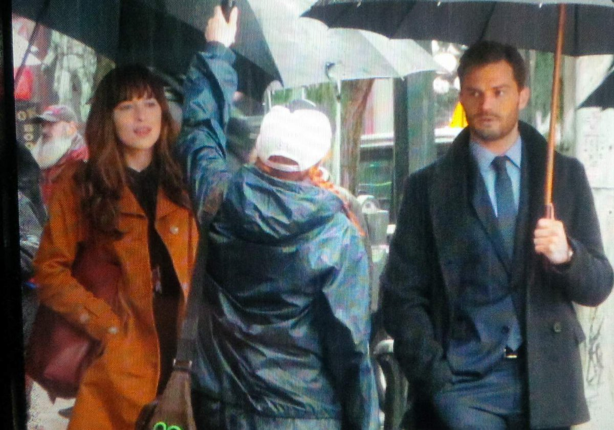To celebrate 10K. Another Jamie Dornan and Dakota Johnson shot from #FiftyShades today. #FSOG #FSD #FSF https://t.co/7zOttqH33J
