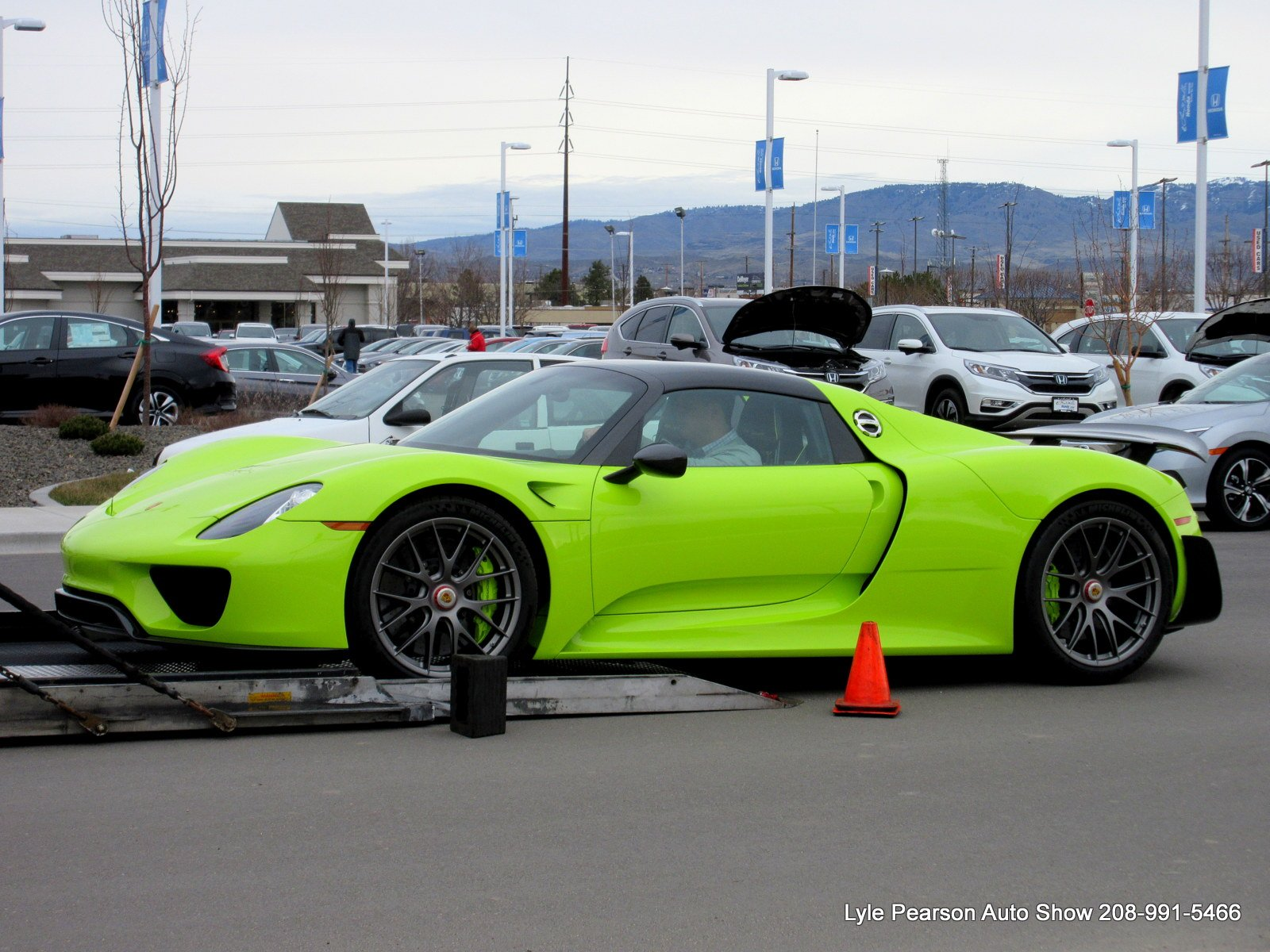porsche of boise on twitter today we say goodbye to the acid green po. Black Bedroom Furniture Sets. Home Design Ideas