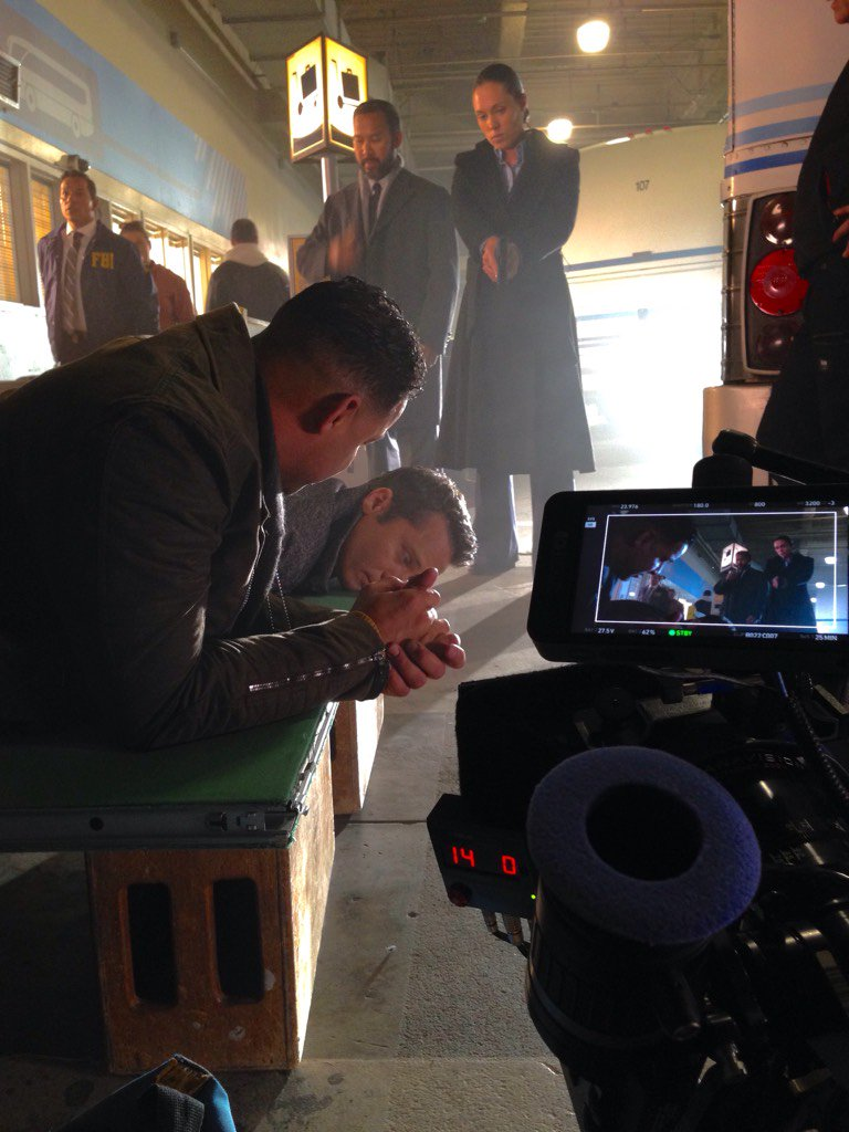 """8x13 """"AND JUSTICE FOR ALL"""" post ep bts tweets & pics CcfGJd-UcAAMBoE"""