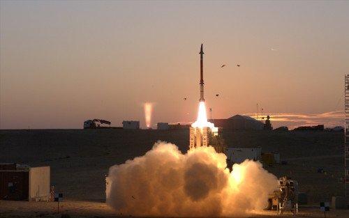 """سلاح الجو الإسرائيلي يشرع بتسلّم منظومة """"مقلاع داود"""" CcgzNzJVIAAacnm"""