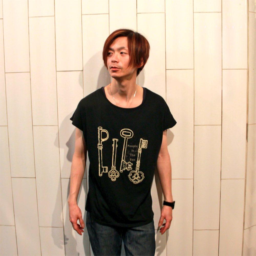 ドルマンの民「着るべき」 RT @_PeopleInTheBox: 【People In The Box・NEW GOODS】  ダイゴマンはドルマンTシャツを着用!
