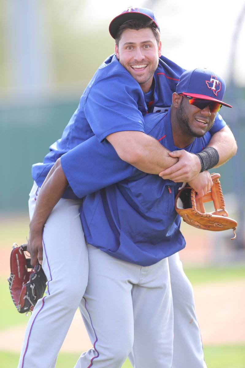 Gallo By Thian Different Ways To Wear A Scarf: Joey Gallo (@JoeyGallo24)