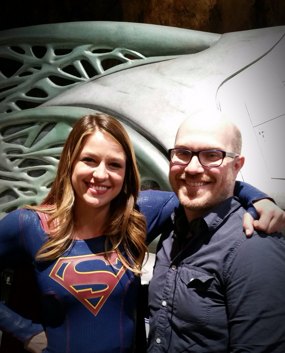 A MASSIVE thank you to @MelissaBenoist @AliAdler @AJKreisberg for the #Supergirl set visit!!! Best birthday ever. :) https://t.co/m6XLoQ8uBg