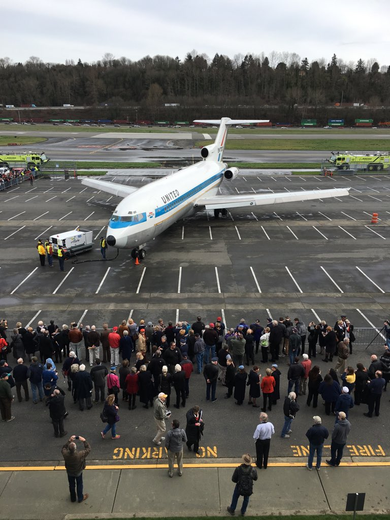 Welcome home!!!!#727finalflight https://t.co/uLYt7b9CLJ