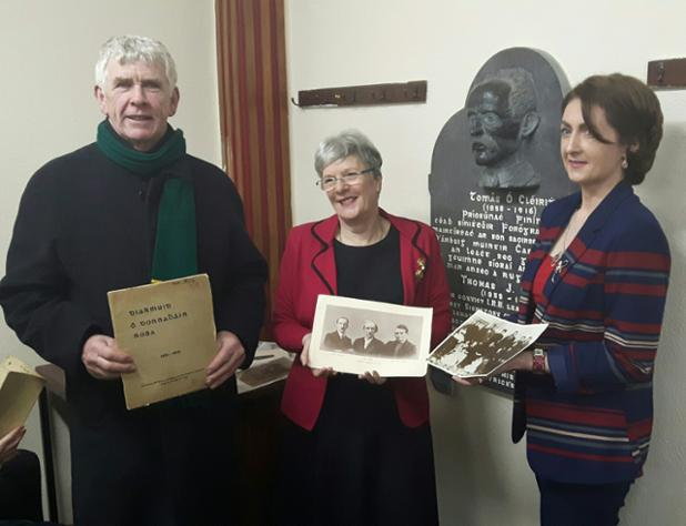 Helen Litton with Leitrim 2016 Committee members, Cllr Paddy O'Rourke & Emma Clancy, post-lecture #ourcouncilday https://t.co/N9pDNyPHiW