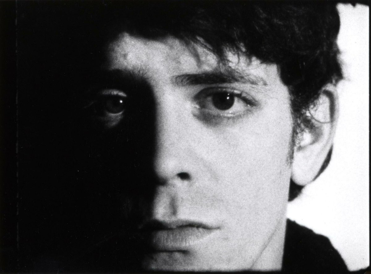 Lou Reed was born on March 2, 1942 in Brooklyn, NYC. #HappyBirthdayLouReed https://t.co/ZClB3MY6rZ
