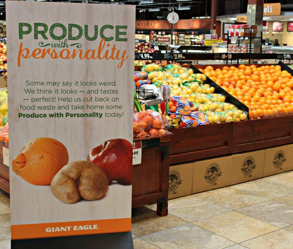 It may look weird, but it has the same great taste! Help us reduce waste with our Produce with Personality program! https://t.co/zHCBYjV0W8