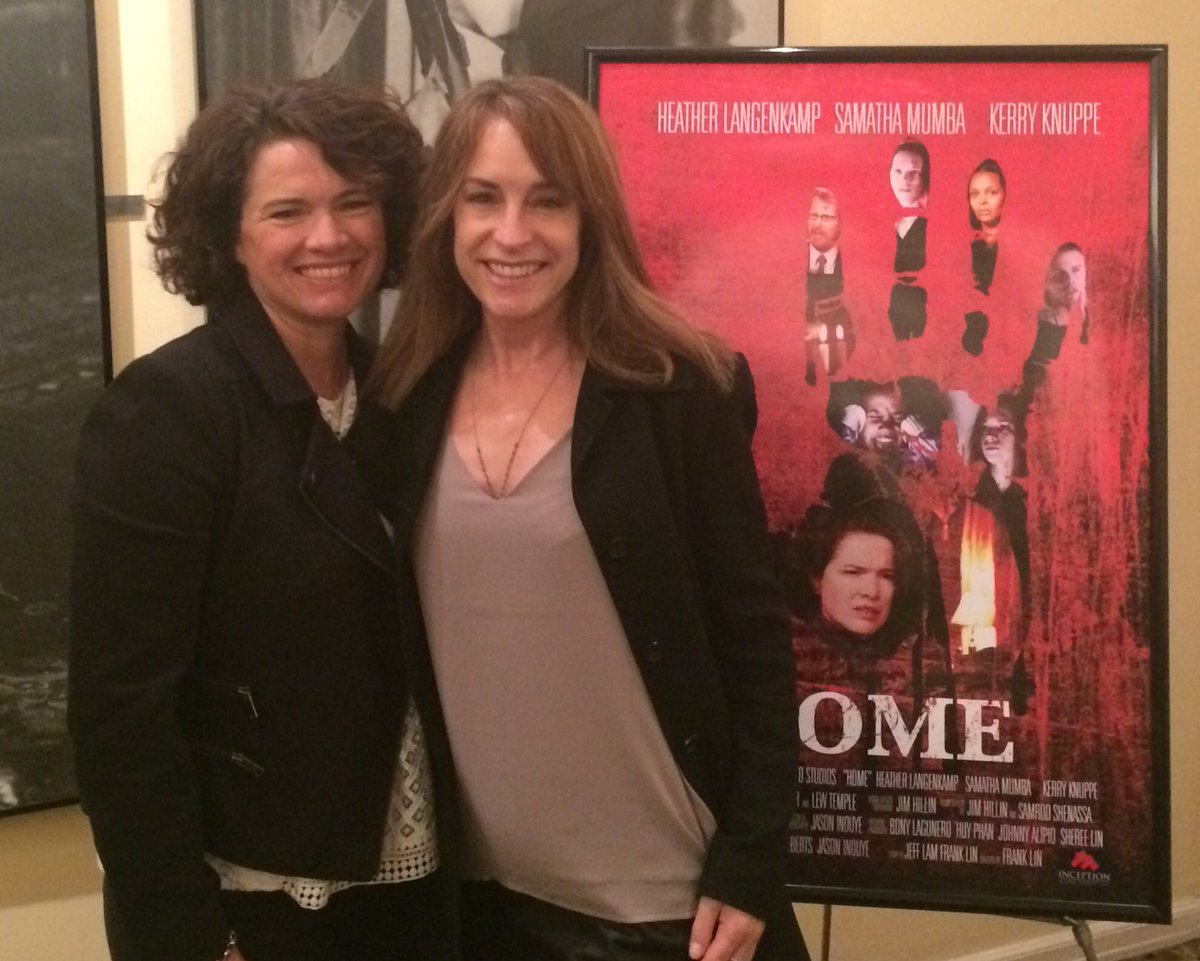 Just saw the movie #Home starring my brilliant friend @LangenkampH. She's awesome as always! The movie is SO scary!! https://t.co/3dsNdmLnnS