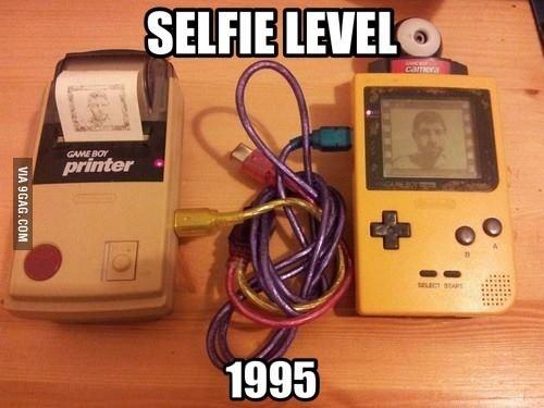 Le #selfie version 1995 ! #tbt https://t.co/43xljVCPL0