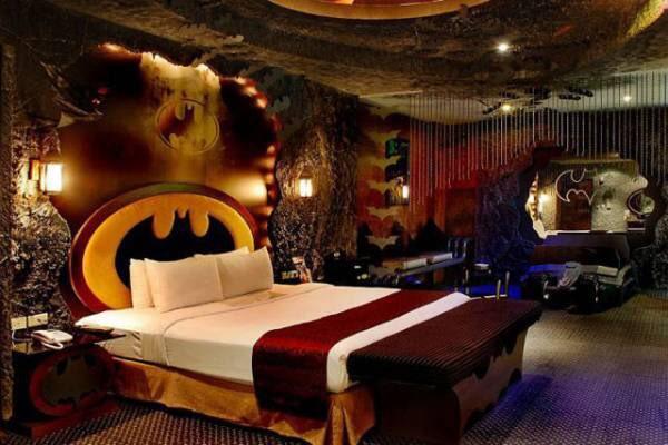 バットマン好きなんですけどバットマンラブホなるものをネットで見つけました。どこなんだろうか。。 https://t.co/z02LTIZelx