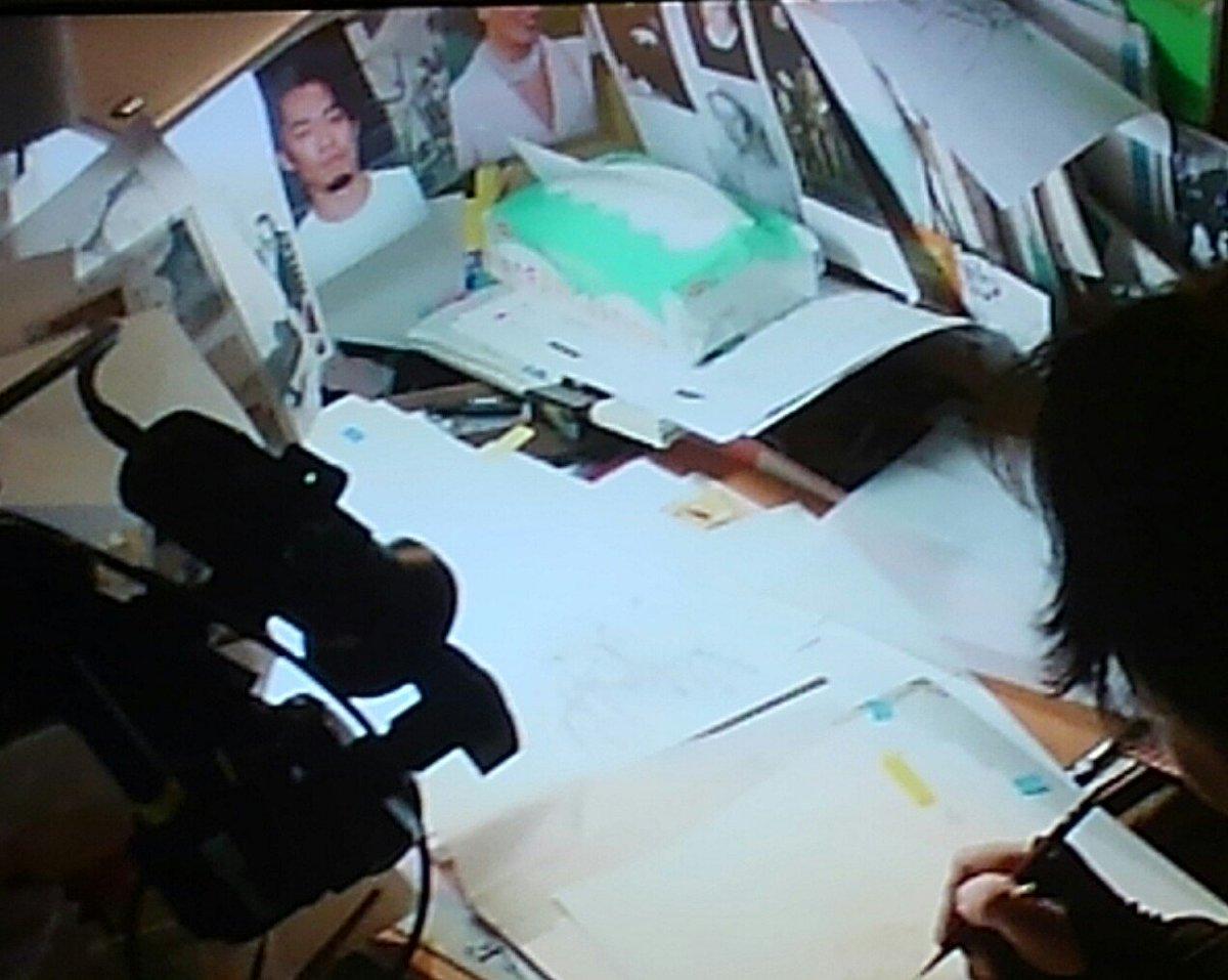 やっぱり大輔くんだった!萩尾先生のデスクに大輔くんの写真が貼ってある。#萩尾望都漫勉 https://t.co/RIwWBljAnJ
