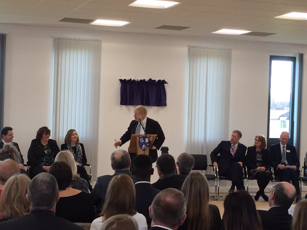 I opened the fantastic new 6th form centre @Chis_and_Sid - using one of the pavilions from the 2012 Olympics https://t.co/mOpYDXAogb