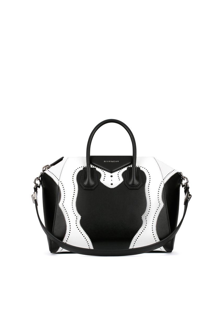 979a621a3a Discover the Givenchy motif bags from the Spring Summer 2016 Women's  collection, available in Givenchy #stores.pic.twitter.com/LvVys3fBGE