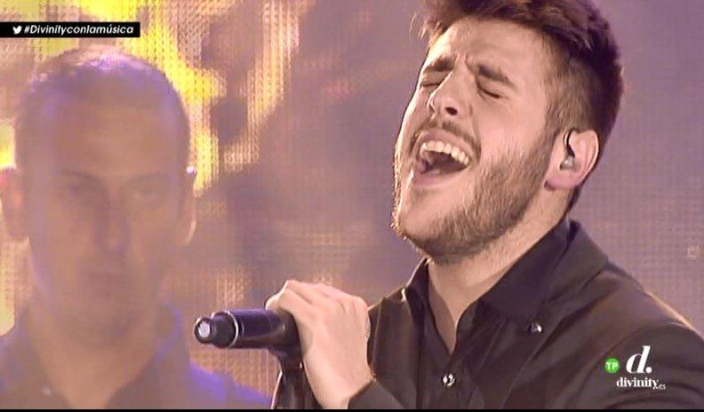 #Divinityconlamúsica Imposible no emocionarse con @AntonioJSMazuec #PremiosDial &gt;  http:// mdia.st/1omLN9I  &nbsp;  <br>http://pic.twitter.com/KK1Ay1qQgh