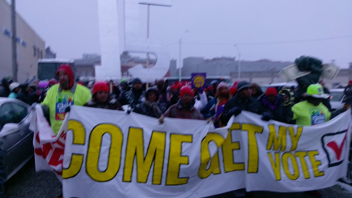 What do we want? 15! When do we want it? Now! #Fightfor15 https://t.co/IL1vwu3mmA