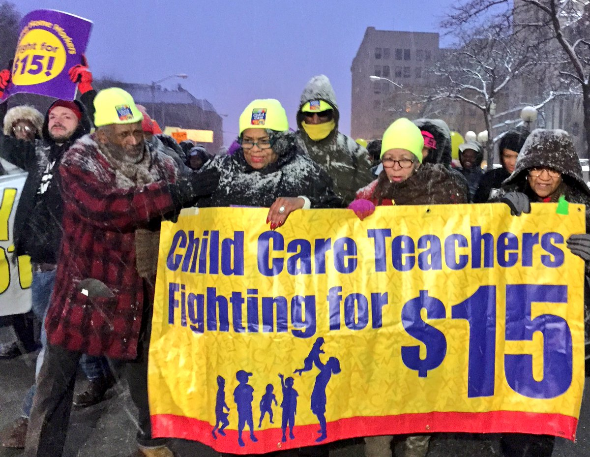 So proud to have @FF15ChildCare @FF15HomeCare out for #GOPDebate bringing that #FightFor15 spirit! https://t.co/BZFo6Y6AWT