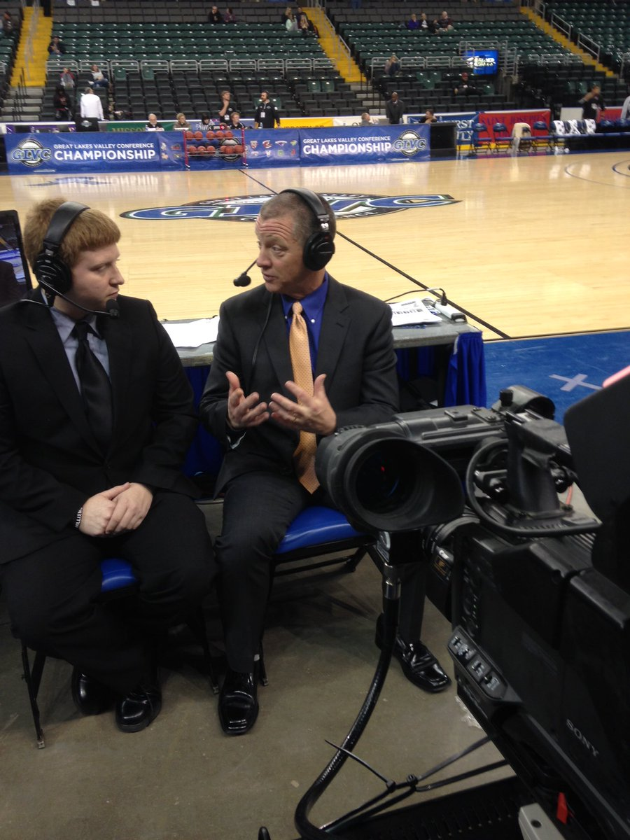 #GLVCSN #ExtraCredit interview with #GLVC Commissioner Jim Naumovich.  @USIedu senior Jordan Fisher on the call! https://t.co/gzM5FwUSMM