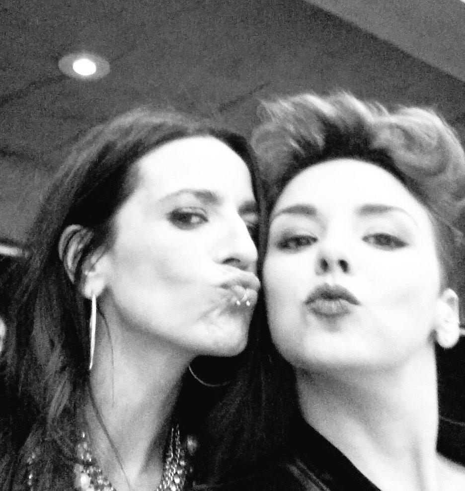 Super @LaBebeBellota #onfire! @Cadena_Dial #PremiosDial <br>http://pic.twitter.com/kaMBde4vLj