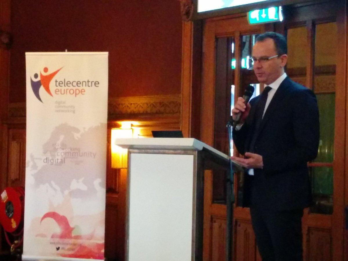 @ppluta explaining Cisco's involvement in #gow16 @tc_europe @CiscoCSR @CiscoNetAcad https://t.co/AYyyQ3w7Gd
