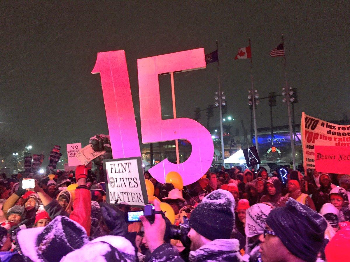 Protesters descend on #GOPDebate in Detroit https://t.co/PwzpQ9u1Tg via @cbsnews #FightFor15 https://t.co/ZUXrau2pEC