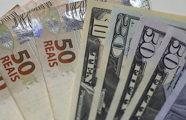 Dólar desaba cerca de 2,5% e encosta em R$3,70 com nova fase da Lava Jato envolvendo Lula https://t.co/XjL6P5z62H https://t.co/pJpUs4lzGD