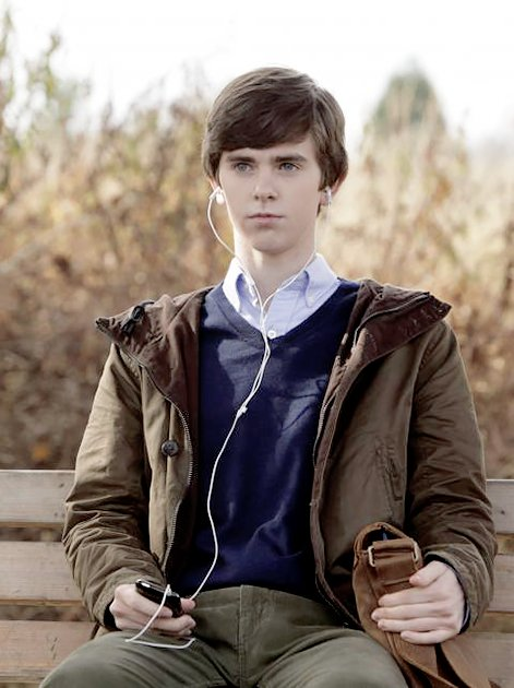 actor vs character on twitter freddie highmore norman bates