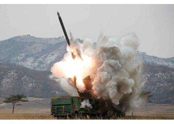 Korean People's Army: News - Page 2 CctvAD0W0AAgdqW