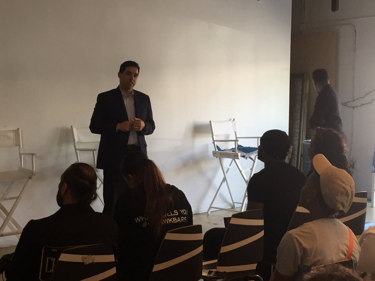 .@matthaggman kicking off @ABCSharkTank casting call at @thelabmiami, a day of advice for growing your business https://t.co/0GeeZsaUyA