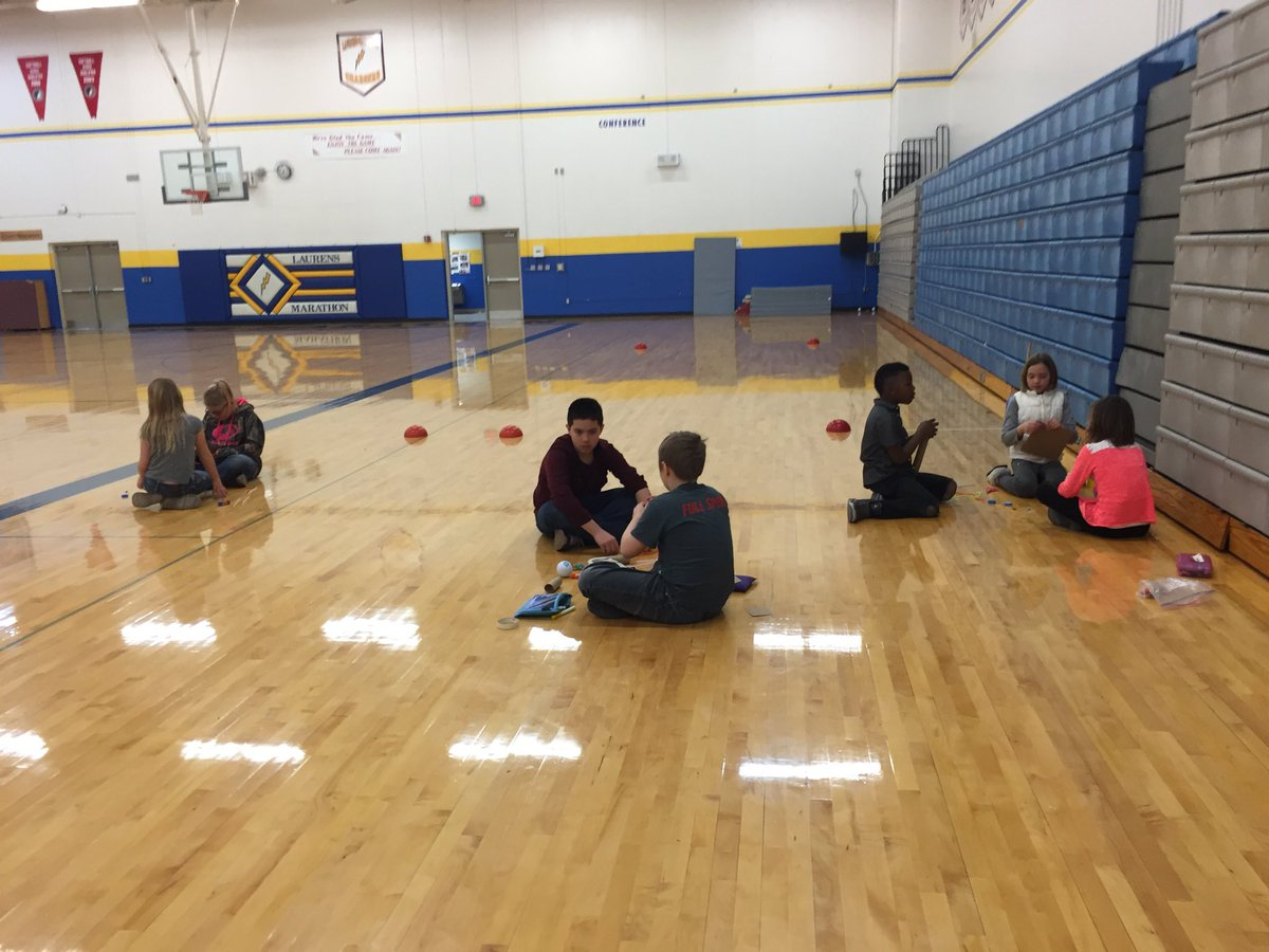 Group 3 discussing and starting their chariot design at #LMChargers #plaea @SpheroEdu @WyattWWood https://t.co/ZnV7tLVMFa