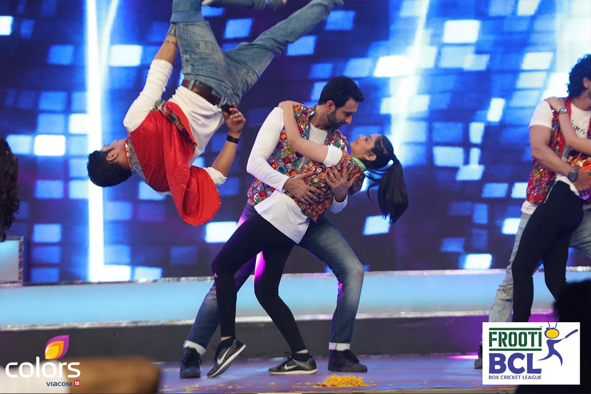 Nandish Sandhu's BCL team Ahmedabad Express drives the audience crazy with their mind-blowing act at opening ceremony of BCL 2 - image-pictures