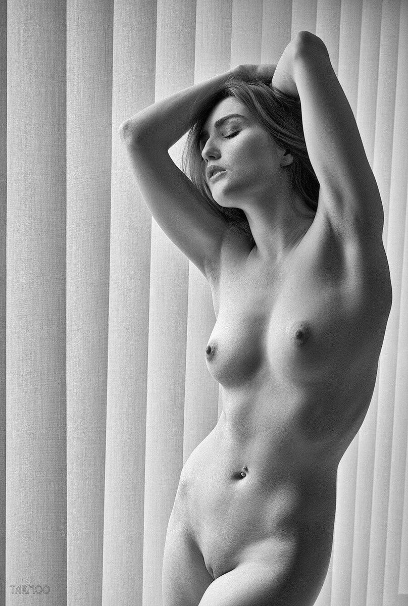 Nude Figure Modeling 39