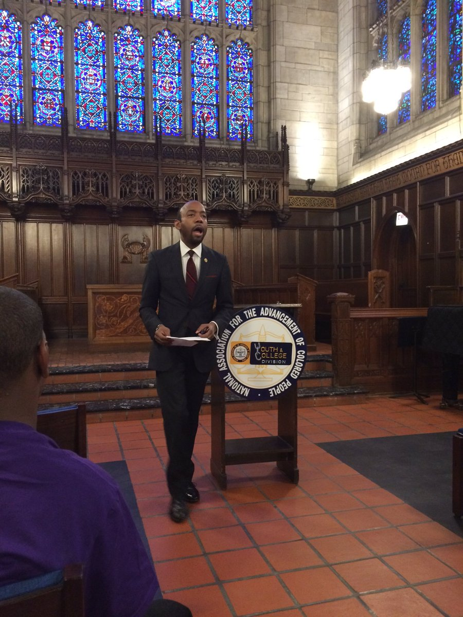 .@CornellWBrooks sharing why this event is historic & history making...  @NAACP #CourageousNow @UofC #iMatter https://t.co/9Tqwsg6I5f