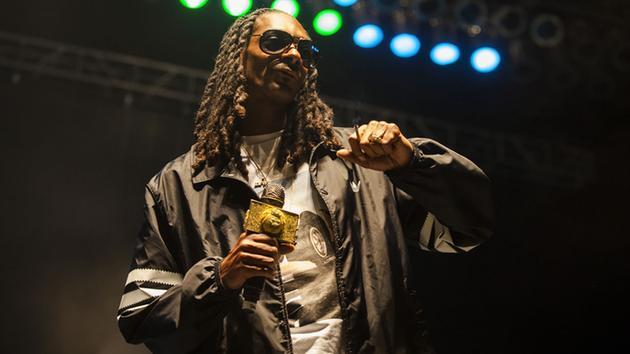 Snoop Dogg headlining NC #AzaleaFestival --> https://t.co/3ckX2bG6Nt