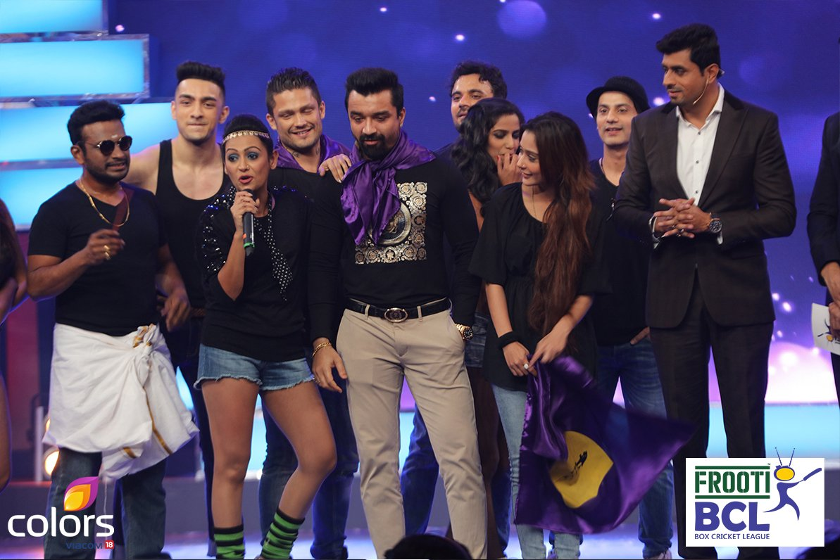 BCL Team Rowdy Bangalore including Ajaz Khan, Ashita Dhawan & Shika Singh on stage on BCL 2 Grand opening ceremony image-pictures